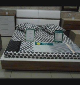Кровать с жестким матрасом 160х200