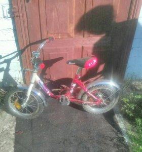 Велосипед четырёх колесный