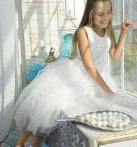 Великолепное платье для девочки