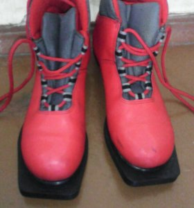 Ботинки лыжные