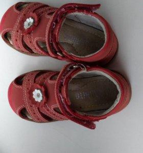 Ортопедические кожаные сандалии
