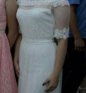Платье, один раз одето на выпускной
