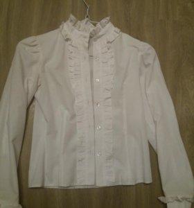 Блузки( белая, розовая)