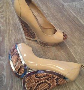 Новые Туфли натуральная лаковая кожа
