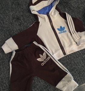 Костюм спортивный на младенца