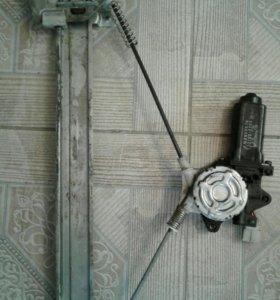 Стеклоподъемник правый задний паджеро 2