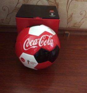 Фирменный мячик от Coca Cola