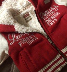 Курточка Levi's