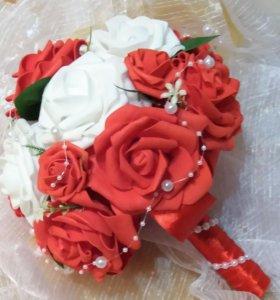 Букет из роз фоамирана