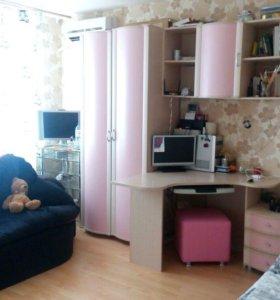 Детская комната и малютка