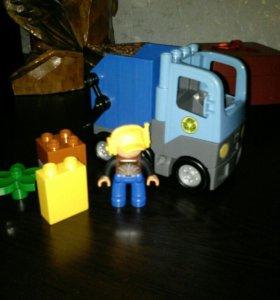 Лего Дупло мусоровоз