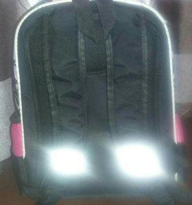 Школьный рюкзак !