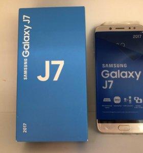 Samsung Galaxy J7 2017.