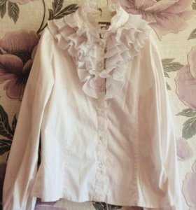 Школьные блузка и жилетка