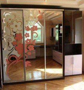 Шкаф-купе Зеркальный с Цветочными Узорами