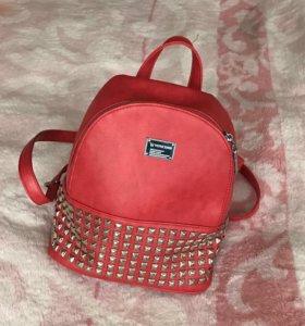 Рюкзак красный новый