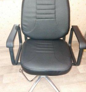 Кресло мастера парикмахера