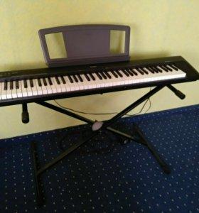Цифровое пианино YAMAHA Portable Grand NP-30