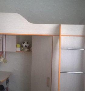 Набор детской мебели ,кровать-чердак