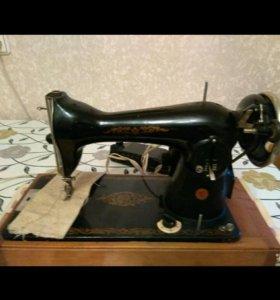 Швейная электрическая машина Подольск