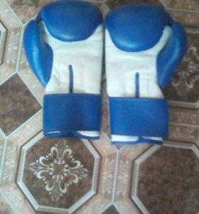 Боксёрские перчатки 2пары синие и красные