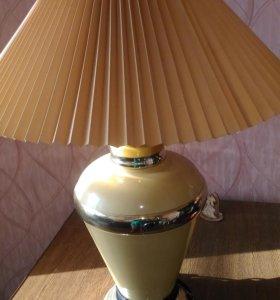 Высокая лампа