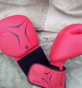 Боксёрские перчатки новые