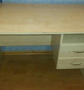 Продаю письменный стол