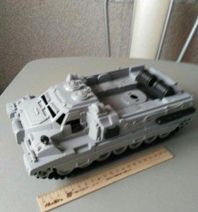 Военная машина пластиковая