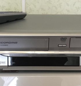 Видеомагнитофон и CD-плеер