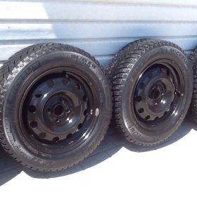 Комплект зимних колёс. Michelin 185/65-R15