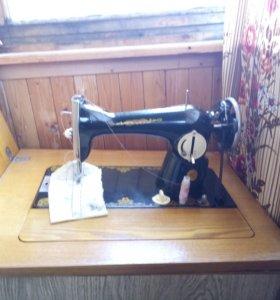 Швейная машина, древняя 😀