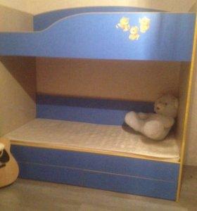 Кровать двухьярустная