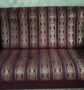 Продам диван + 2 кресла.