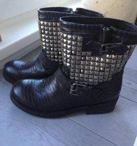 Новые ботинки Ash Titan с заклёпками