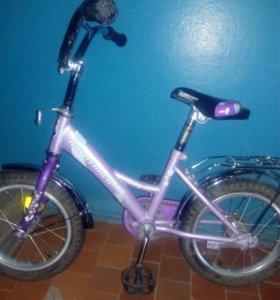 Детский велосипед, есть боковые колеса