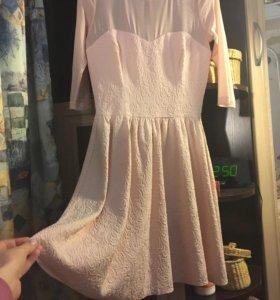 Нежно-розовое платье вечернее