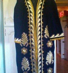 Национальный праздничный халат