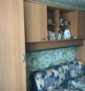 Компьютерный стол, детская стенка, диван
