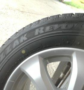 Bridgestone Blizzak revo gz 215/60 16