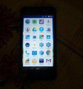 Телефон смартфон Micromax q415