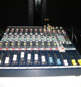 Микшер Soundcraft EFX8