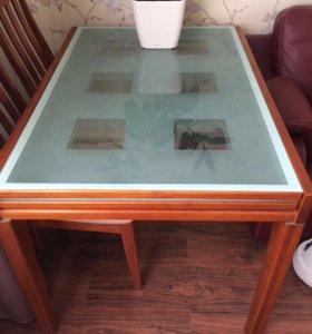 Стол обеденный дерево/стекло