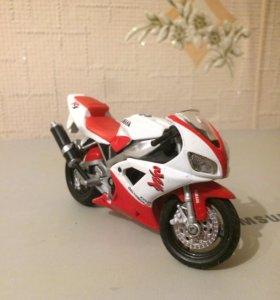 Мотоцикл игрушечный