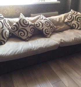 Диван  с подушками раскладывающийся