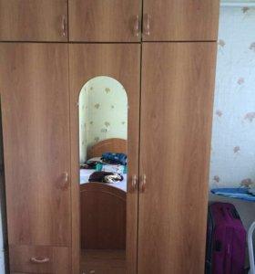 Продаётся шкаф, кровать и бойлер