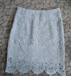 Красивая юбка из кружева.