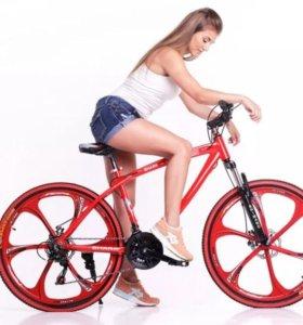 Крутые велосипеды на литых дисках и фэтбайки