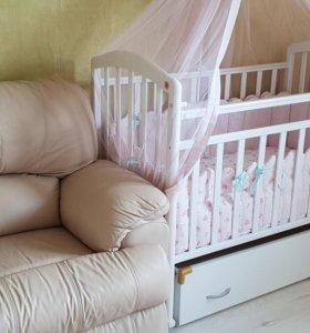 Кровать детская с маятником и ящиком для белья