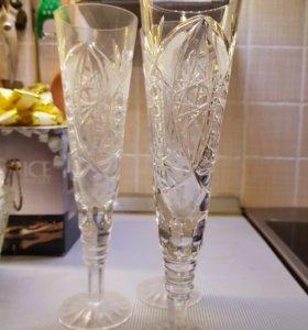 Хрустальные вазы и бокалы